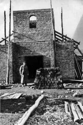 Construcción de la Iglesia.